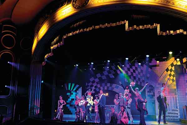 Royal Court Theatre Performance Queen Elizabeth