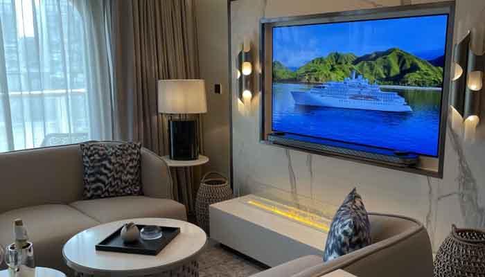 Crystal Endeavor Owners Suite